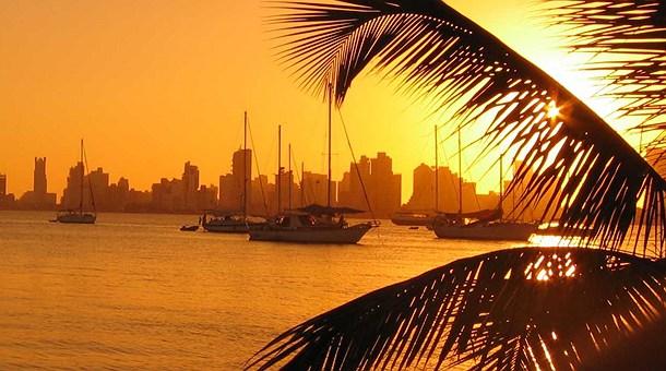 Ciudad de Cartagena al atardecer