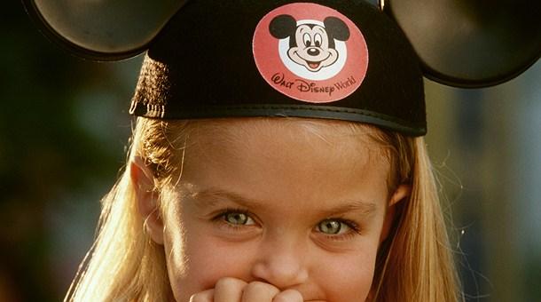 Niña en Disney