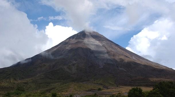 Volcán Arenal de cerca