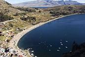 El magnífico Lago Titicaca a 3.800 metros de altitud fue venerado por los Incas