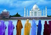 Mujeres delante del Taj Mahal, Agra