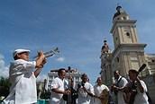Músicos en la calle en Santiago de Cuba