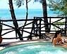 Disfrutando en la piscina, Zanzibar